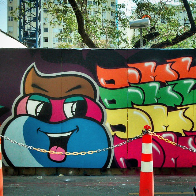 #streetart #street #TagsForLikes #sprayart #urban #urbanart #urbanwalls #art #instagraffiti #instagood #artwork #mural #graffiti #photooftheday #instagraff #instagrafite #streetartandgraffiti #graffrio #graffitirio #dmlone #leblon #rj #rio #streetartrio