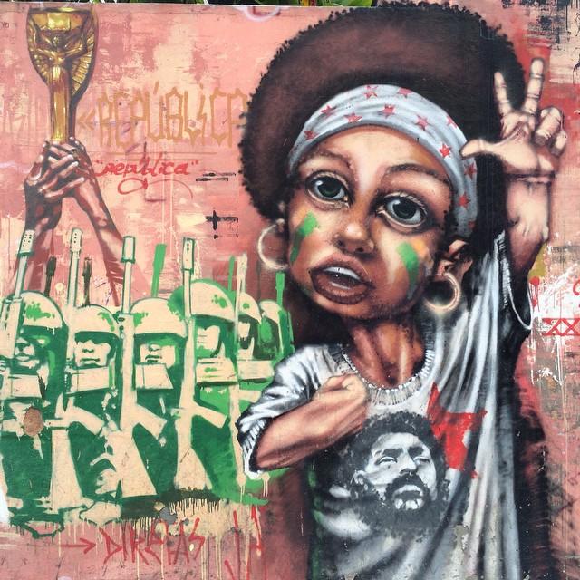 #streetartrio #artpop #artepopular #streetart #streetartist #streetartshots #grafite #grafiteart #grafitebrasil #urbanwalls #sprayart #urbanart #instarepost #ilovesstreetart #rsa_graffiti #rsa_photo_of_the_day #instagrafite #artederua #grafiti #spraypant #graffrio #arteurbana #dsb_graff #StreetPhoto_Brasil