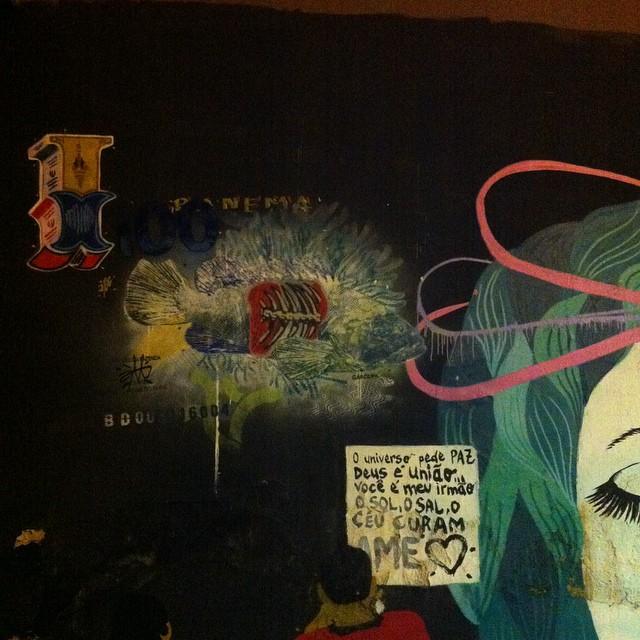 Amanhã tiro fotos diurnas. Vou ter surpresas. A noite tudo muda. #i_support_street_art #isupportstreetart #streetartbrasil #stencil #estêncil #streetartrio #streetart #instagrafite #streetartofficial #streetartphotography #graffitiart #art #streetart #instagraffiti #streetartist #graffiti #stencil #urbanart #streetarteverywhere