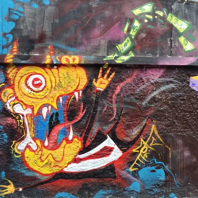Artista: @tiaosnc  #streetphoto_brasil #streetartrio #artpop #artepopular #streetart #streetartist #streetartshots #grafite #grafiteart #grafitebrasil #urbanwalls #sprayart #urbanart #instarepost #ilovesstreetart #rsa_graffiti #rsa_photo_of_the_day #instagrafite #artederua #grafiti #spraypant #graffrio #arteurbana #dsb_graff