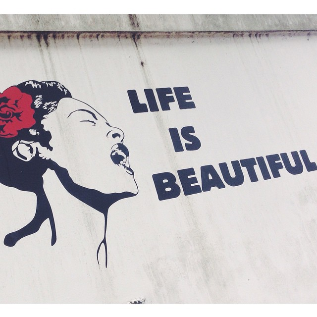At least it should be. #onthewalls #citystreets #streetart #streetartrio #gavea #riodejaneiro #igersrio #igersbrasil #tonoadorofarm #errejota #vsco #vscocam