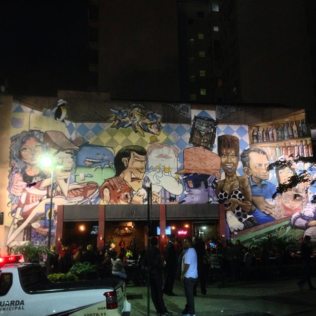 Beautiful mural at Lapa/Rio de Janeiro #mural #graffiti #streetart #streetartrio #urbanart #nofilter #globalpainters #lapa #riodejanerio #brazil