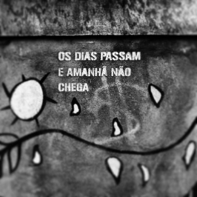 Coé, amanhã! #StreetArtRio #riodejaneiro #rj #rioeuteamo #errejota #street #art #philosophy #bw #pic #photooftheday