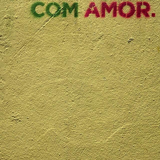 Com. #comamor #loveart #rioetc #riopostcard #tonoadorofarm #coraçãonarua