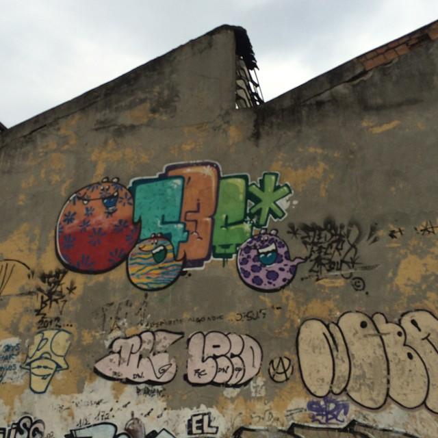 Cores da cidade. #rio #grafiterj #grafite #instagrafite #streetartrio #arteurbana #urbanart @tozfbc