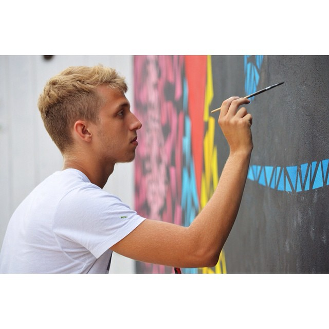 Foco total na tinta! Foto da querida @airanadias !! #Lefe #graffitiart #StreetArtRio