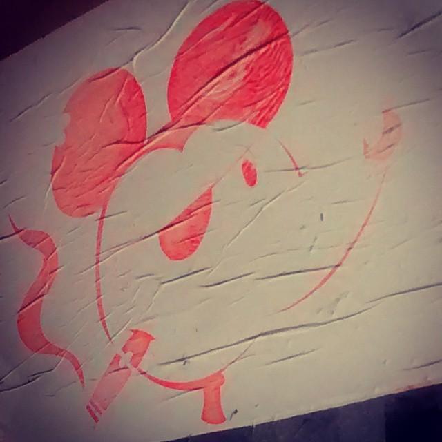 Hey, Mickey. #streetart #streetartrio #art #mickey #eco #ufrj #pink