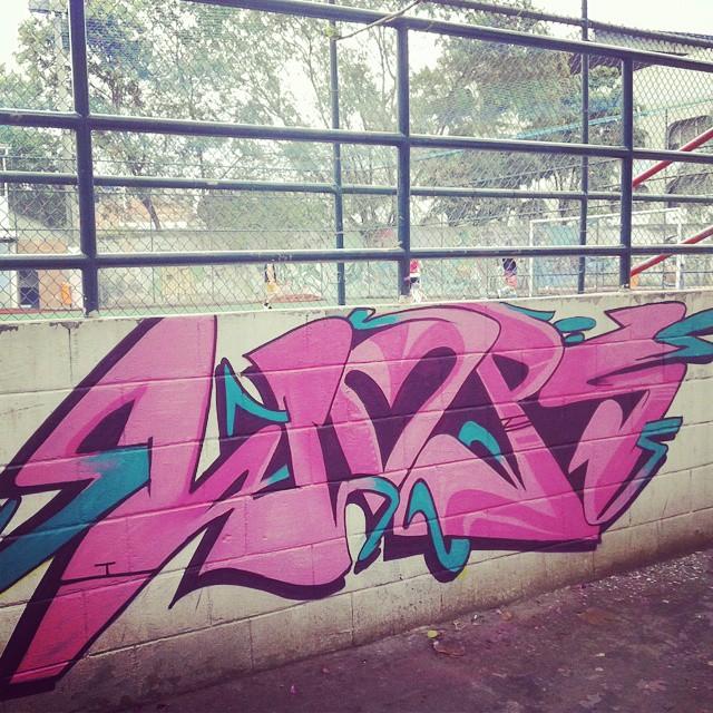 Hoje na Maré #streetart #graffiti #instagraffiti #streetartrio #vandals #ruasdazn