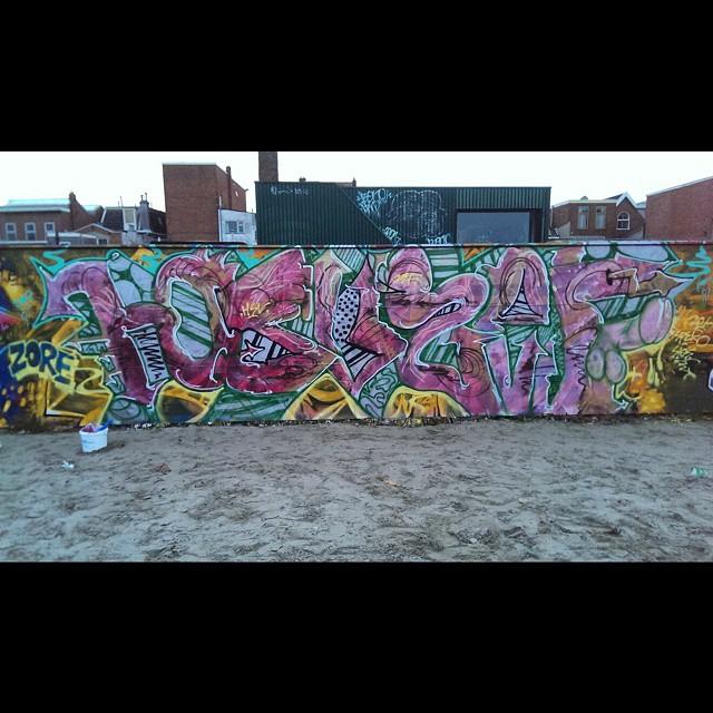 Hsvzef #instagraffiti #graffiti #graff #streetgraff #citybombing #citywalls #cityart #graffitiporn #graffitiwork #graffiti_aroundtheworld #dutchgraffiti #thisisstreetart #graffitiart #graffitiphotography #streetartrio #klotter #stateyourname #spraydaily #vandalart #arteverywhere #urbanwalls #urbangraff #urbanscene #urbangraffiti #bombing #loveart #artsy #streetstyle #streetculture