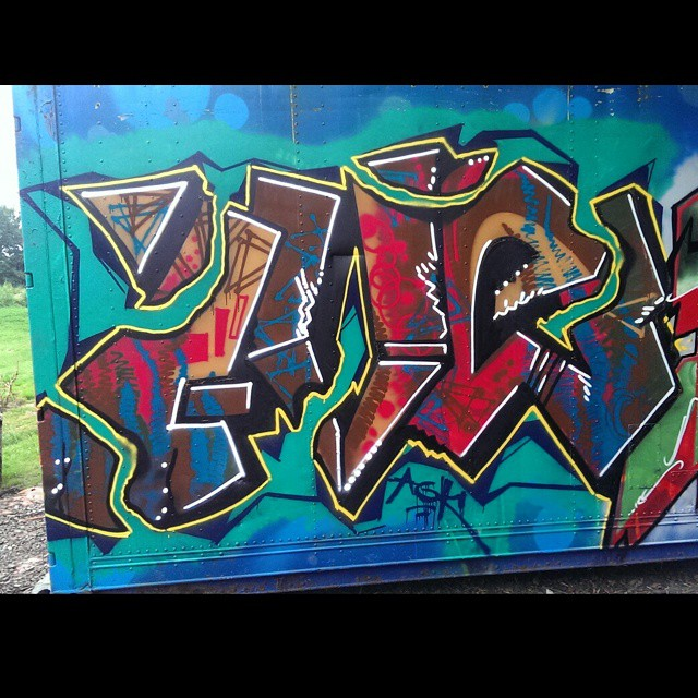 Ive #instagraffiti #graffiti #graff #streetgraff #streethaveeyes #globalstreetart #graffiti_aroundtheworld #graffitiwriting #graffitiigers #graffitiworld #graffiticulture #spraydaily #klotter #sprayart #precious_graffiti #trueskills #ilovegraffiti #ilovebombing #elgraffiti #stateyourname #streetartrio #hierendaar #hiddenstreets #arteverywhere #cityart #citybombing