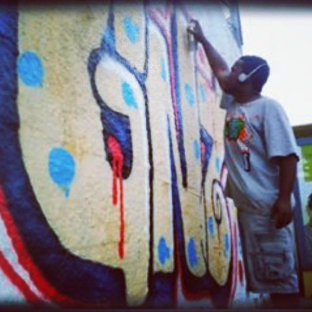 Relembrar é viver! #Giant #2013 #TodoDiaRabiscando #KlanD #streetartrio #Streetart #ruasdazn #caminhosdecascadura
