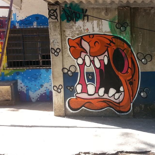 THE HUSK #polho #streetart #graffiti #streetartrio