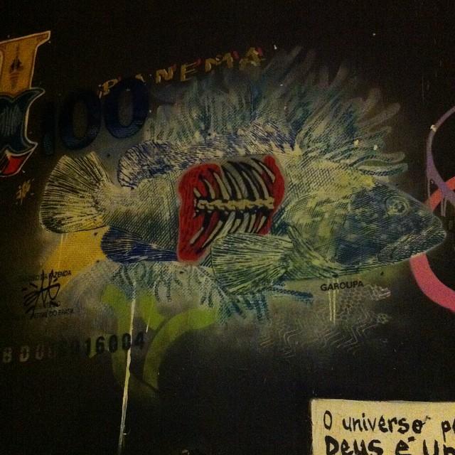 #i_support_street_art #isupportstreetart #streetartbrasil #stencil #estêncil #streetartrio #streetart #instagrafite #streetartofficial #streetartphotography #graffitiart #art #streetart #instagraffiti #streetartist #graffiti #stencil #urbanart #streetarteverywhere