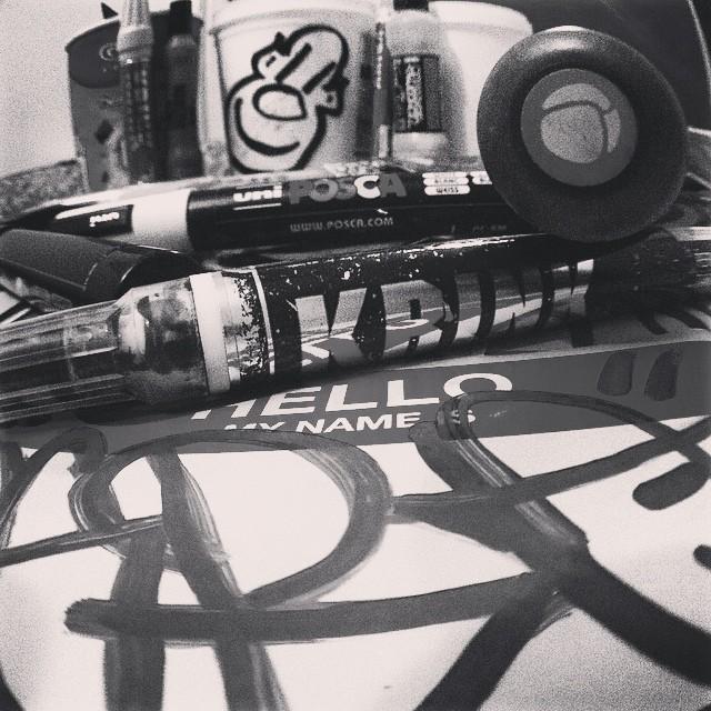 #rjstickers #krink #mtn94markers #grog #sharpie #streetartrio #posca #ogro #ogrostyle #stickers #blackandwhite #graffit #arteurbana #urbanart #streetart #hellomynameis #handstyle #handmade #homemade