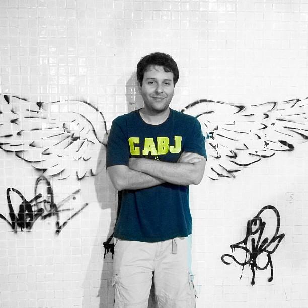 #wings #graffiti #streetart #streetartrio #Ipanema #colorsplash #blue