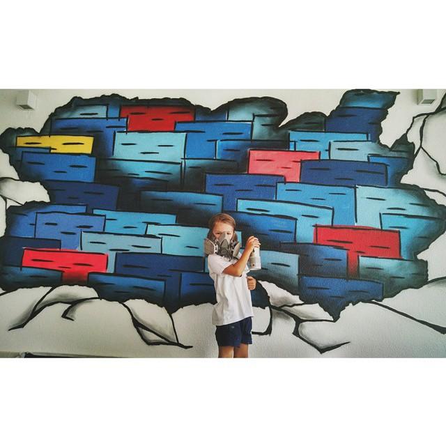 Ajudinha especial! #criandonovosgrafiteiros #futurodograffiti #StreetArtRio #graffiti