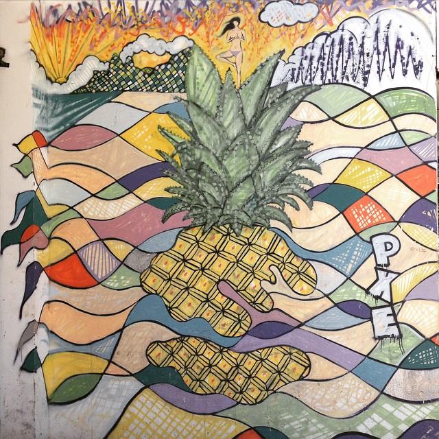 Alguns só vêem o abacaxi... #Pineapple Girl by #PXE #graffiti #streetart #Ipanema #RiodeJaneiro #streetartRio
