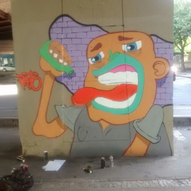 Cheio de sede! #rjvandal #ruasdazn #streetartrio #arturbana #graffitiart #mtn94 #graffiti #graffitioverdose #art #graffitibrazil