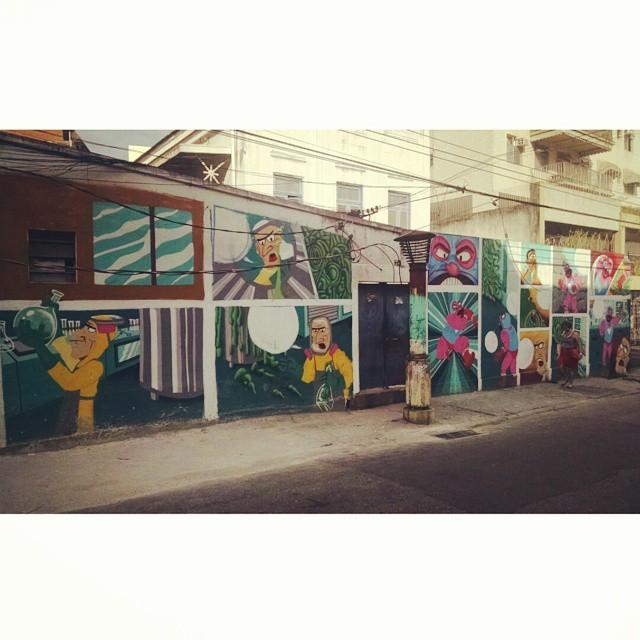 Missão de ontem cumprida. Todos os quadros já estão prontos, agora é fitar as bordas e colocar as falas e o titulo! #street #streetart #streetartrio #lapa #cazesawaya #muchooamor #barbeiroo