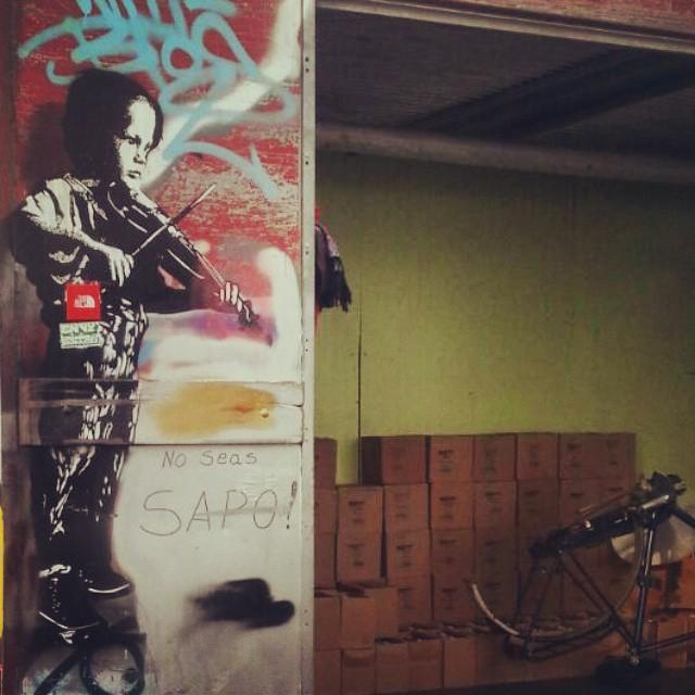 #stencilart #stencil #wheatpaste #thisisstreetart #streetgraff #streethaveeyes #streetart #streetarteverywhere #streetartutopia #streetartrio #streetartphotography #streetartofficial #instagraffiti #ilovegraffiti #graffiti #Graff #paintingwalls #paintthetown #globalstreetart #urbanart #muralart #dutchstreetart #spraydaily