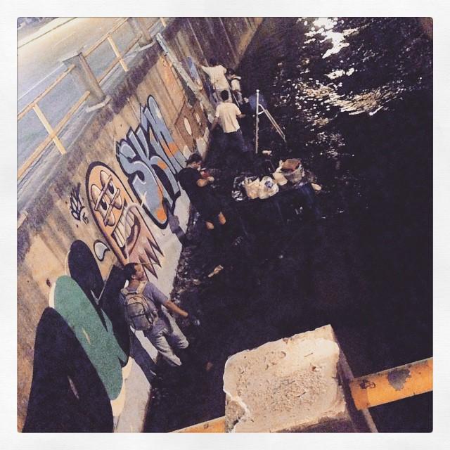 Esses meninos... Tudo sujo! #trapacrew #streetartrio #instagraffiti #tijuca