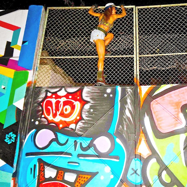 IDOLNOWAR  #idolnowar #crew #model #photo #djonereal #styling #marygirl  #streetstyle #artcollective @idolnoproject  #arteurbana #artederua #grafitti #streetart #streetartrio ️ #rj