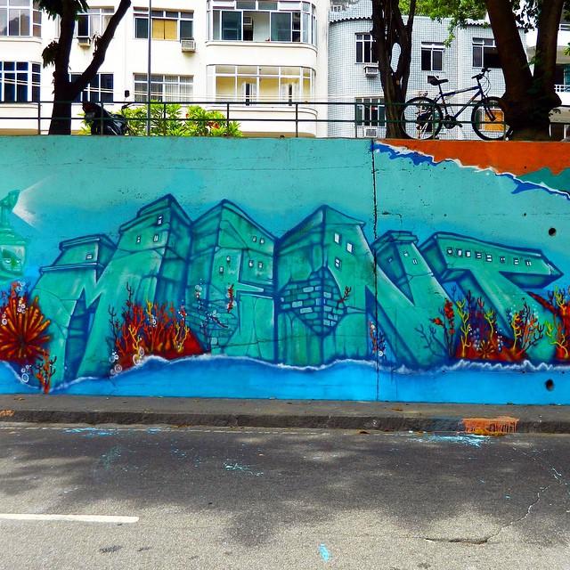 Mais uma do túnel, in progress...detalhe com @kajaman , foto @leandrotick2 ... Noites regadas a tinta e diversão ao lado de bons amigos... #tunelvelho #Graffiti #instagrafite #streetartrio #letters #letras #freestyle #freehand #spraypaint #carioca #riodejaneiro #rio #rj #mentone #marceloment