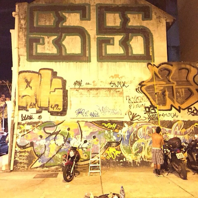 por: #Cinco5 @ak47_graffiti foto: @hugokellock • #rjvandal