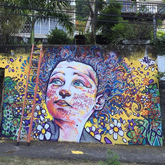 Quase pronto o primeiro de 2015... Obrigado Lourdes, @ftdiniz @loulouchavarry ! Almost done... #graffiti #riodejaneiro #zonanorte #streetartrio #instagrafite #spraypaint #mentone #marceloment