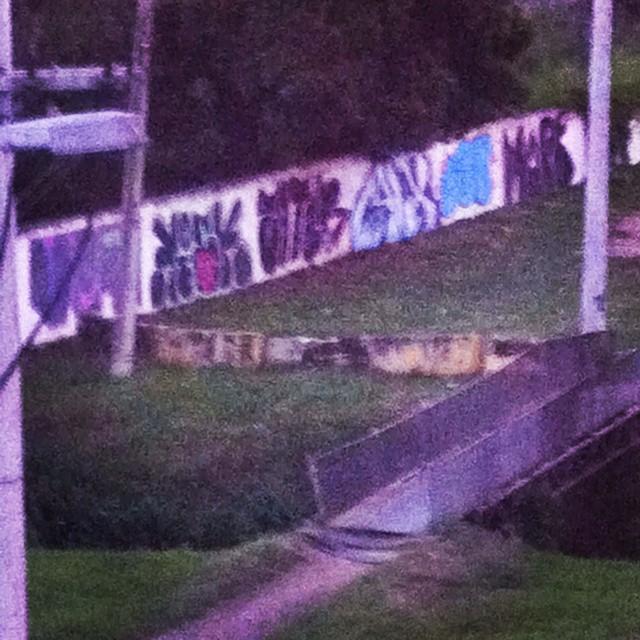 Ataque VANDAL na dutra GG Crew !! #graffiti #streetartrio #streetart #graffitirj #vandal #bombardeiourbano #dutra #rjvandal #bombing #instavandal #ataqueurbano #tintanomuro #brothers #loveletters #letters #fatcap #loveart #arte #instagraffiti #instaart #riodejaneiro #paint #94 #bombingscience #brazil #vandalism