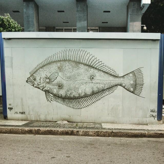 Bem que todas as bancas podiam ter um desses. #street #streetarteverywhere #streetart #centrorio #centrodorio #centrorj #rio #rj #riodejaneiro #urbanart #arte #artederua #streetartrio