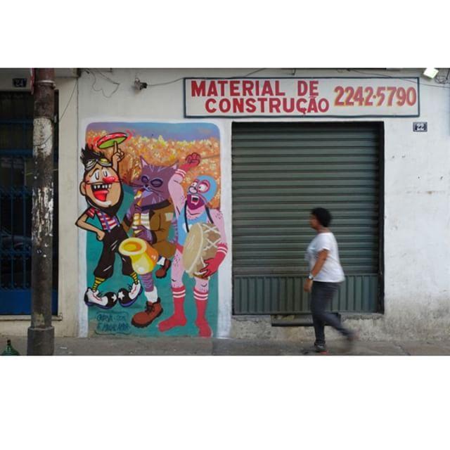 Bom dia! Já é carnaval #lapa #centro #bardopeixe #culturaderua #rua #street #streetphoto #streetartrio #streetart #graffiti #wall #character #cazesawaya #colors #arteurbana #carnaval #rio