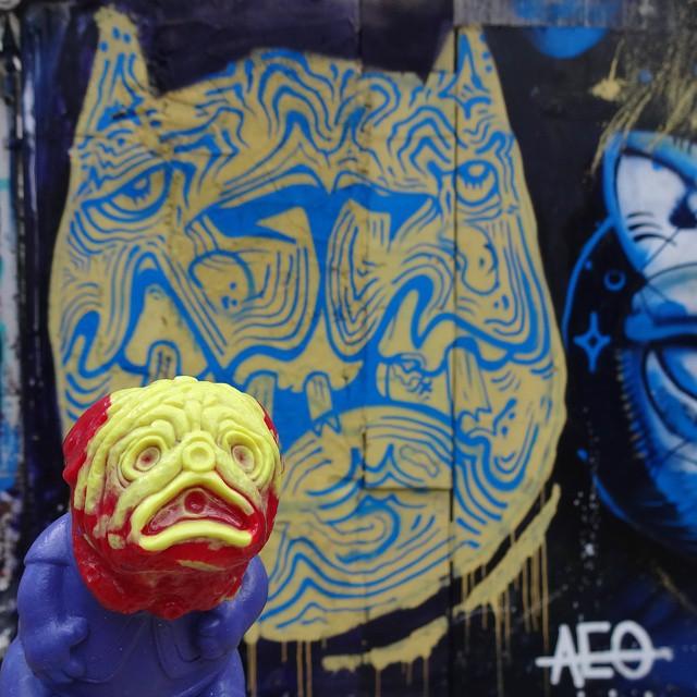 Melting: a thousand degrees above zero... #multuminparvo #APARN #lulubelltoys #aeocrew #qpasacrew #streetartrio #graffitiart #urbanart #arteurbana #streetart #artederua