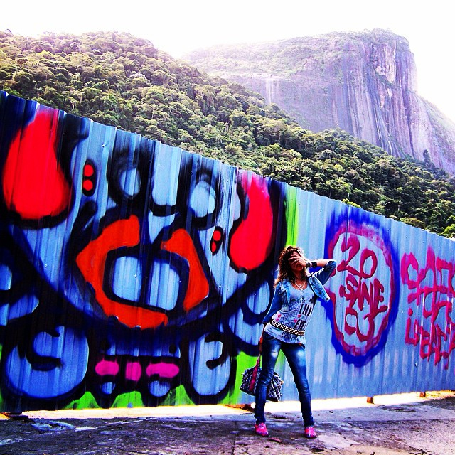#graffiti #djonereal #styling #marygirl #artcollective @idolnoproject ️ #artederua #arteurbana #streetart #streetartrio️