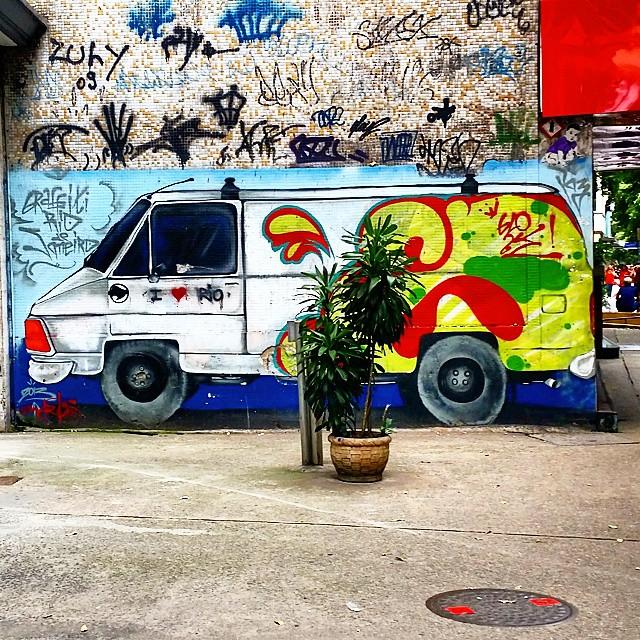 Av. N.S.Copacabana #rio450 #rj #streetart #urbanart #graffiti #streetartrio #riodejaneiro