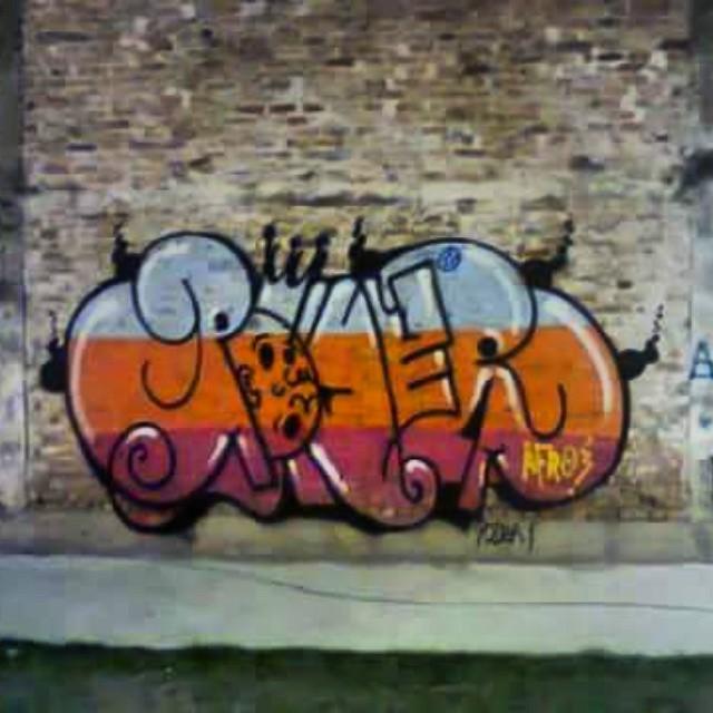 Faz tempo no centro #carreirasolo #classicbomber #vandal #graffitivandal #bombingbrasil #rjvandal #tagsandthrows #welovebombing #poderafro #aucrew #streetartrio #artistasurbanoscrew #estiloriginal