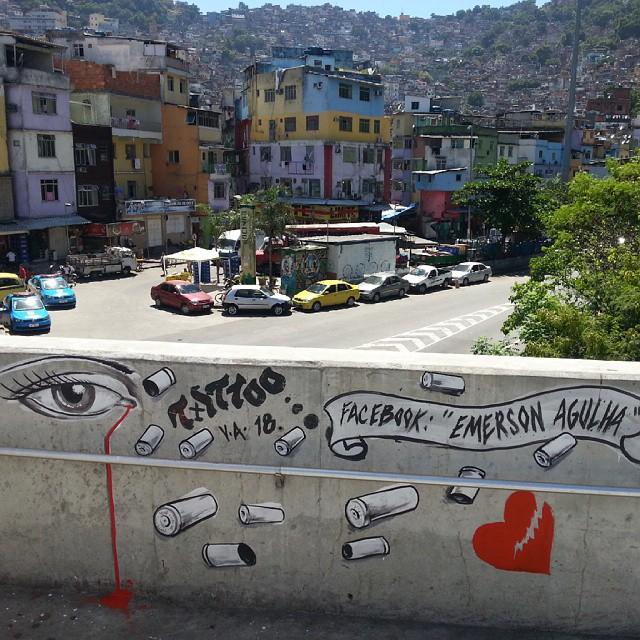 Homenagem ao crescente número de mães brasileiras que perdem seus filhos vítimas da violência. #StreetArtRio