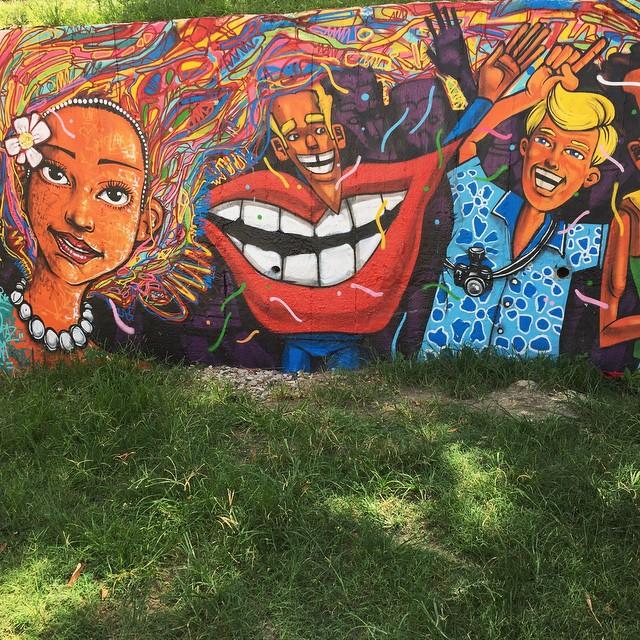 | If it's Monday I must be in Lapa | #rio #riodejaneiro #streetphotography #streetart #ig_riodejaneiro_ #igersrio #RIOcomAMOR #vida_carioca #goodinrio #graffiti #iphone #marceloment #marceloeco #streetartrio