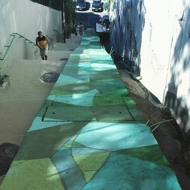 Quebradin #tick. #green #graffitiart #spray #streetartrio #muralart #verde