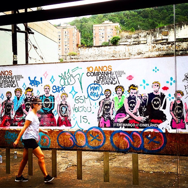 Rolé de domingo...️ #idolnoaction #intervençao #interference #spraypaint #spraycanart #lambelambe #gavea #bomber #no #crew #djonereal @sockppxi #styling #marygirl #artcollective @idolnoproject ️ #artederua #arteurbana #streetart #streetartrio