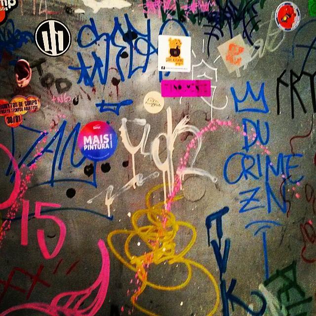 #comuna #murosquefalam #artrio #artrua #streetart #streetartrio #riodejaneiro #errejota #rj