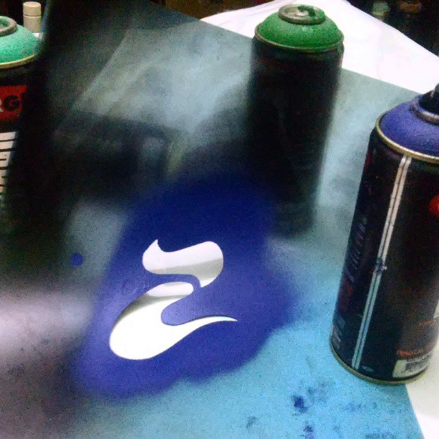 Arte das ruas... #usecultura #stencil #streetartrio #spraypaint #graffiti #culturaclothing