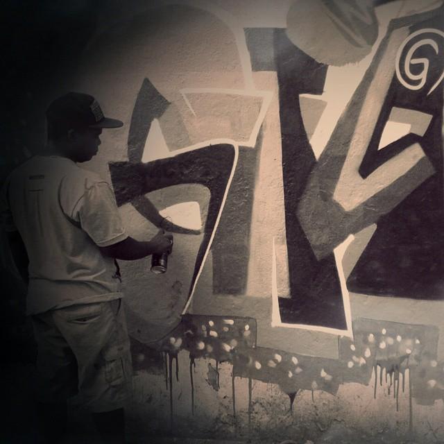 Black and White #GiganteArtes #KlanD #Escritoresdarua #TodoDiaRabiscando #streetartrio #streetartandgraffiti #ruasdazn