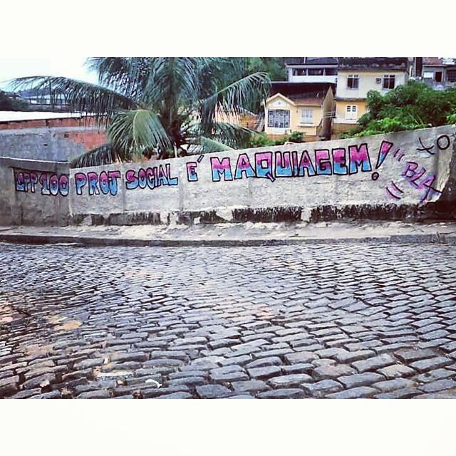 Fallet Fogueteiro-Rj #instaart #spray #riodejaneiro #rj #instagraffiti #graffiti #graffite #artederua #art #artist #urbanart #graffitibrazil #graffitebrazil #loveart #spraypaint #streetart #freestyle #graffitirj #graffrio #rua #mtn #hiphop #streetartrio #ruasdazn #tafaltandomuro