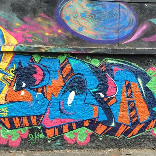 Freestyle 2014  @tattigrafite  #BLOPA #graffiti #graffitiart #graffitiartist #streetart #art #arte #arteurbana #graffitikings #letters #weloveletters #SprayArt #graffitiwriter #vscocam #print #wildstyle #wildstylegraffiti #streetartrio #Writer #BlopaOne #instagraffiti #instagrafite