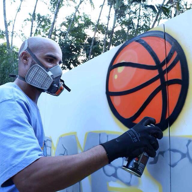 Graffiti x Basketball coisas que eu amo praticar. #artistasurbanoscrew #basketball #spraypaint #streetartrio #streetart #grupotgf #bball #nba #ilovethisgame #graffitirj #riodejaneiro #pandronobã #loveart #lifestyle #streetball #streetstyle 2015