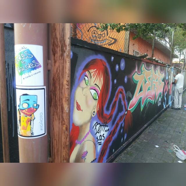 Momento Sticker! Acabamos de receber do nosso amigo Uebis (grafiteiro de Guarulhos que nos acompanha desde a 1° Edição). Sticker em São Miguel Paulista! #coresevalores #conexãoRJeSP #Festivalcoresevalores #hiphop #Cultura #somosoquesomos #streetart #somaousome #Ignoto #Uebis #Behtt #graffiti #streetartrio #arteurbana #streetartsp