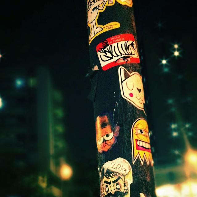Na foto de #skin #selo (xarpi q eu usava nos áureos tempos/G.80) #filipefew #cast. Os outros artistas quem souber me avisa para poder dar os créditos. #rjstickers #stickers #stickersattack #stickerphoto #stickersartist #stickertag #rjvandal #streetart #streetartrio #instagraffite #instasticker #artederua #arteurbana #errejota #zonanorte #stickerporn #stickerpersona #brasil #grapixo #xarpi #hello #hellomynameis