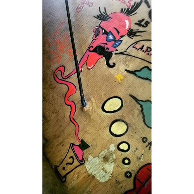 PASSAGEM SUBTERRÂNEA ESTAÇÃO DE TREM OLARIA - RIO DE JANEIRO -RJ ARTISTA: ??? #graffiti #graffitiart #graffitiwall #streetculture #streetphotography #streetstyle #urbanart #spraypaint #graffitirio #StreetArtRio #muros #artederua #streetart #arteurbana #welovestreetart #mural #streetartfiles #graffart #graffittigers #spraypaint #graff #wallart #olheosmuros #loves_street_art #graffitilegends #streetartofficial #streetarteverywhere #streetartistry #stickerart #urbanwalls