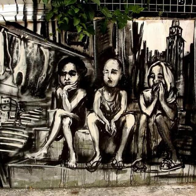 Painting based on Mauricio Hora's photo in Morro da Providencia, Rio de Janeiro. 2013 #streetartnews #streetartrio #streetart #graffiti #mauriciohora #providencia #favela
